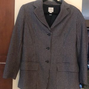 Ladies Hounds Tooth blazer